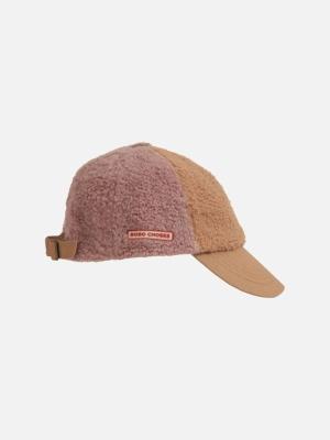 COLOR BLOCK SHEEPSKIN CAP logo