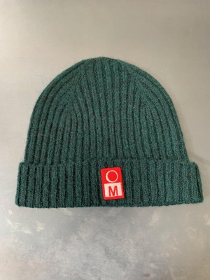 KNITTED HAT  logo